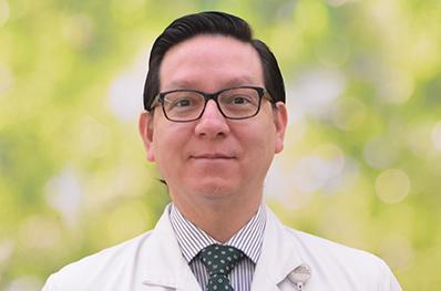 Dr.Cesar_Bustos_398x263_16102019