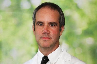 Dr.Francisco_Larrain_398x263_05122019